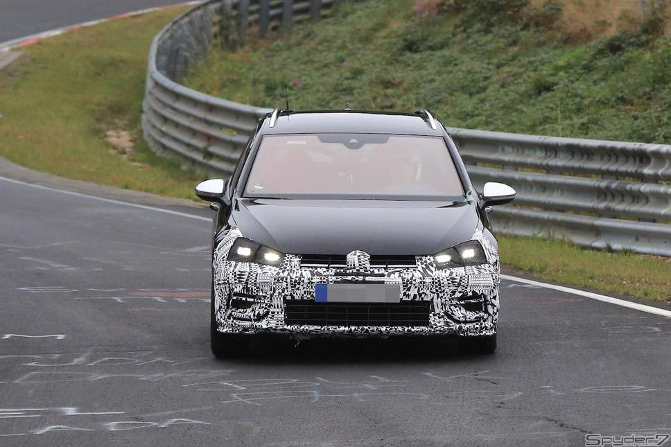 VW ゴルフ ヴァリアント Rスクープ写真