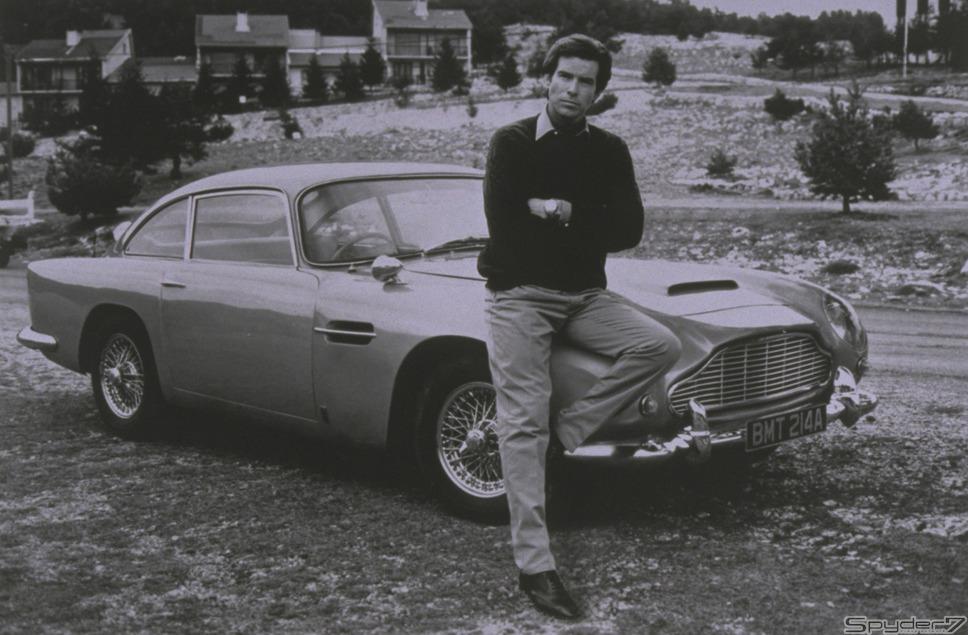 1995年「007 ゴールデン アイ」「アストンマーティンDB5」が登場。6年振りに制作された新生007だ。