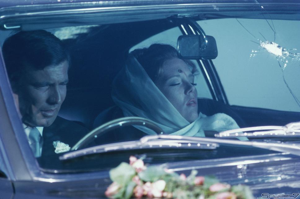 1969年「女王陛下の007 」「アストンマーティンDBS」は本作品以降も新型が続々と登場している、007御用達カーと言える。