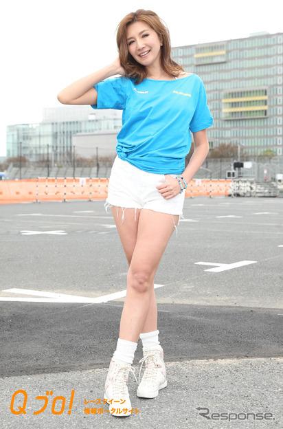 Team RE雨宮レースクイーン