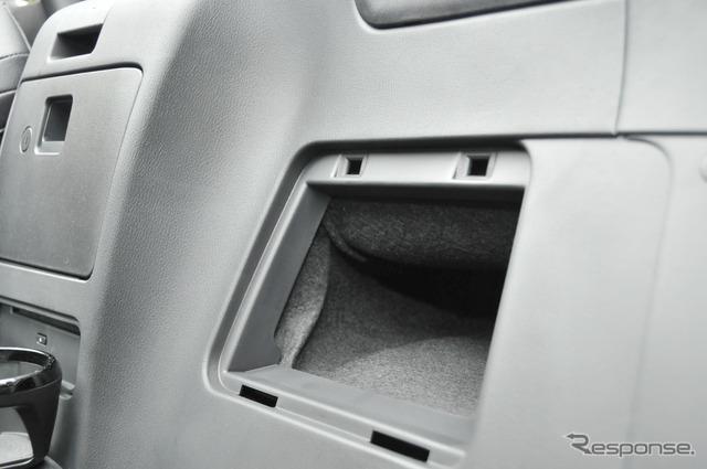 【アバルト 124スパイダー6AT】世界初公開、MTの苦手部分をカバーするモデル[写真蔵]