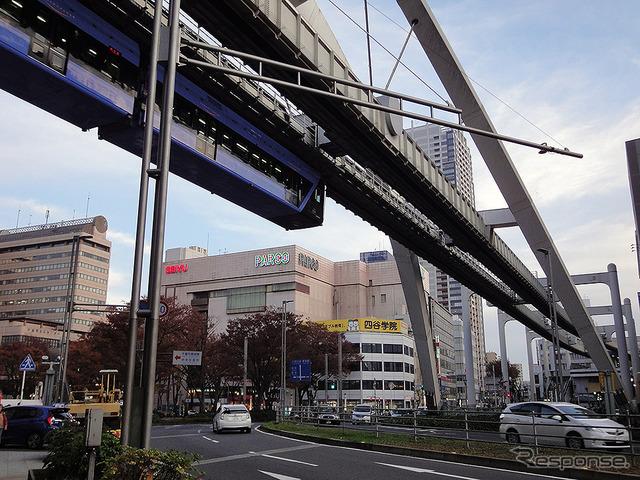 千葉パルコと千葉モノレール(2016年11月)