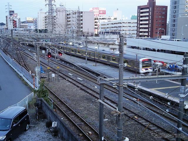 東千葉駅(2016年11月)