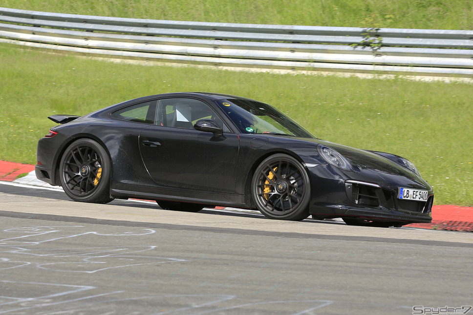 ポルシェ 911 GTS スクープ写真