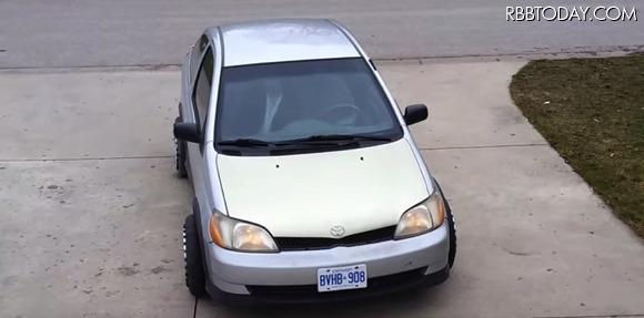 車がまさかの横滑り!車庫入れや縦列駐車を簡単にする全方位型タイヤ