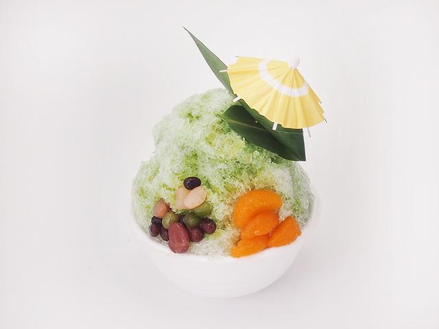 抹茶の雨傘かき氷 (¥750)