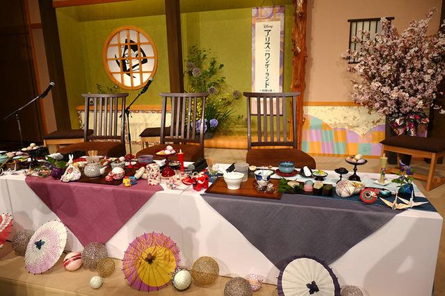 """『アリス・イン・ワンダーランド/時間の旅』""""お茶""""会見"""