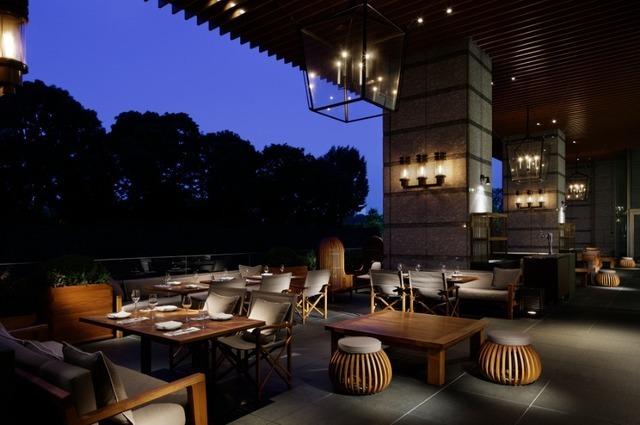 パレスホテル東京 オールデイダイニング「グランド キッチン」のテラス席