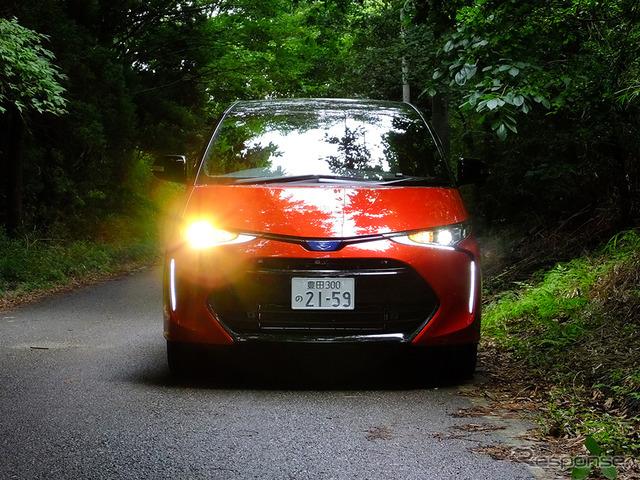 トヨタ「エスティマ」マイナーチェンジモデル(2016年6月30日、木更津にて)