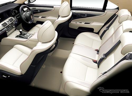 トヨタ紡織が製造するレクサスLSのフロントシート