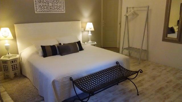 快適な部屋。建物の外観は古くても内装や水回りが改装されていることが多い