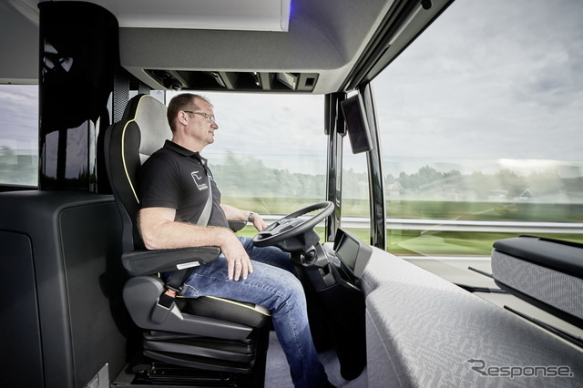 メルセデスの自動運転バス