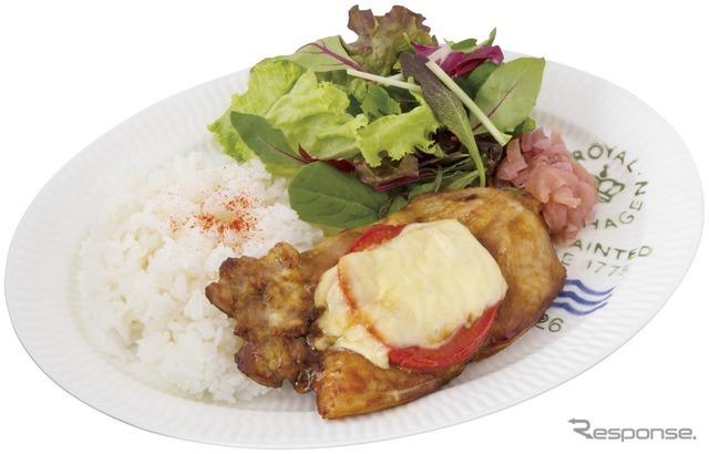 50 日南鶏のマリボチーズ焼き カレー風味(マダム・ブロ)