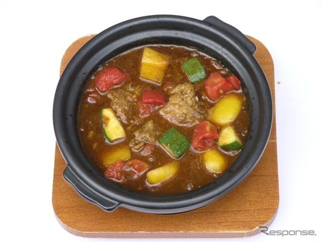 56 牛すじ夏野菜カレー(Hot Spoon)