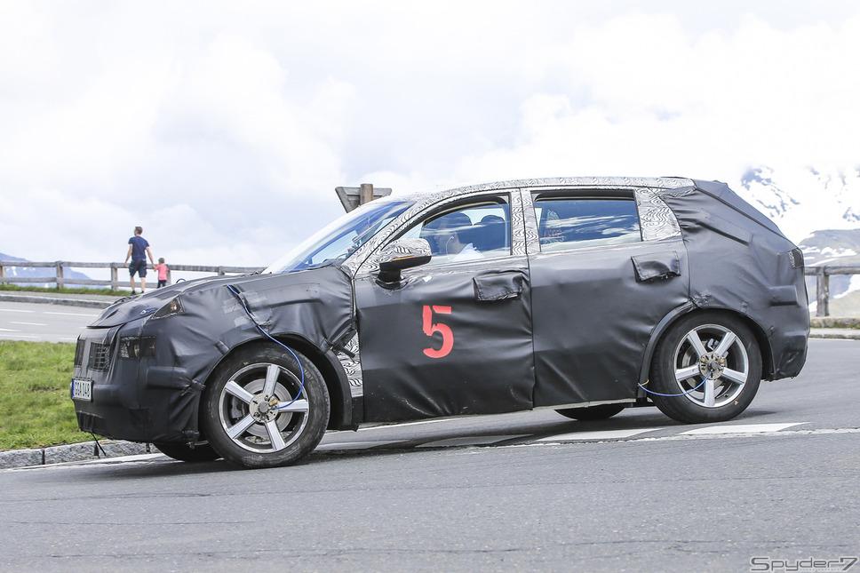 ジーリー SUV スクープ写真