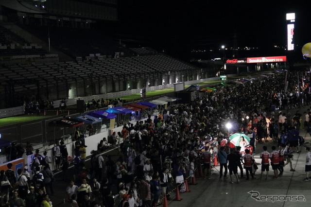 今年もスペシャルコスで登場したエヴァRQ(2016鈴鹿8耐)