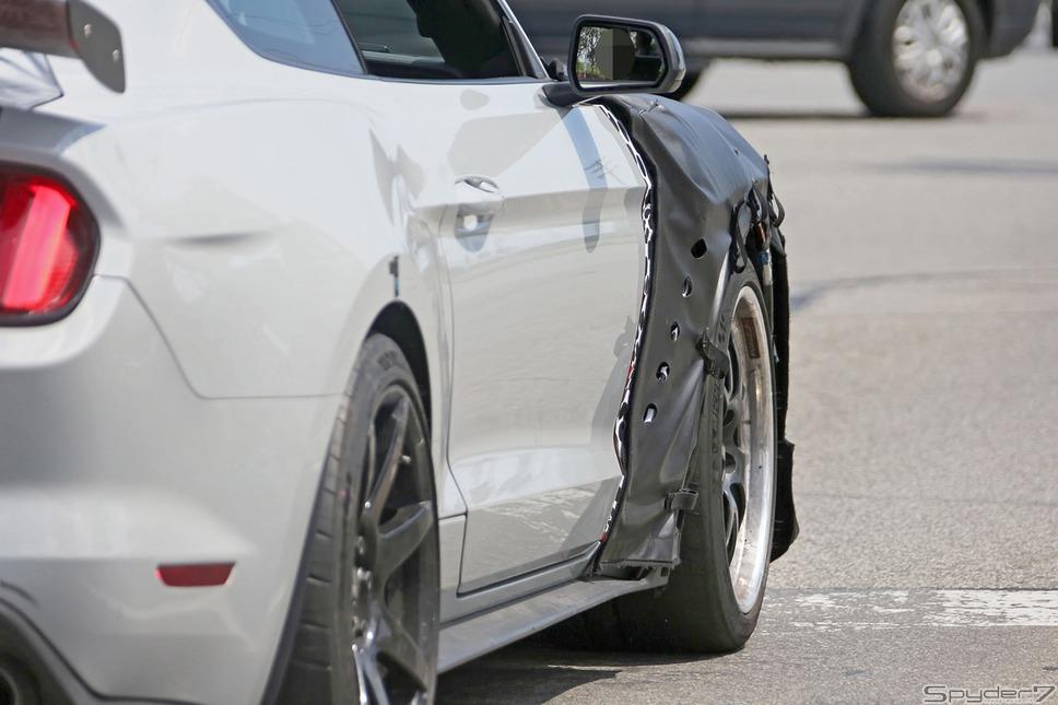 フォード マスタングシェルビー GT500スクープ写真