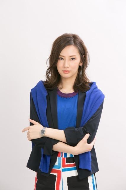 北川景子「家売るオンナ」(C)NTV