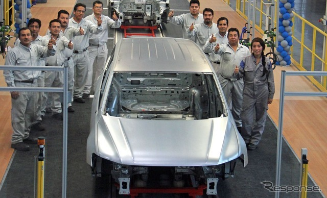 VW ティグアン 新型LWBのホワイトボディ