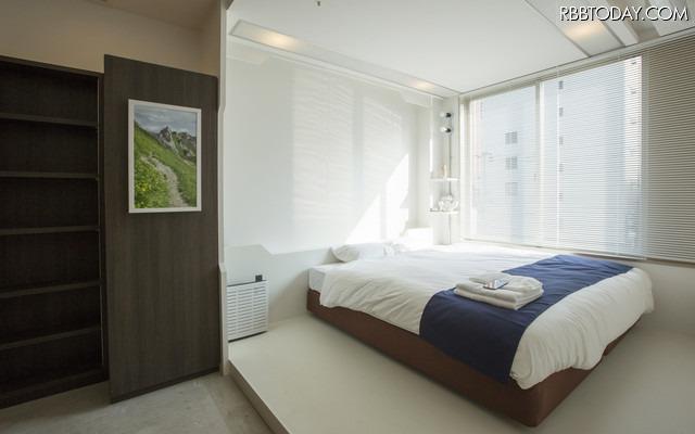 スマートホステル「&AND HOSTEL」は日本初となるIoT体験型宿泊施設。11種の最先端IoTデバイス・技術が採用されている(画像はプレスリリースより)