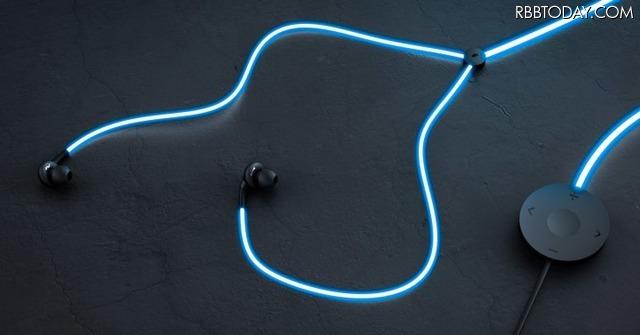 レーザーダイオードにより、イヤホンコードが鮮やかに光るのが最大の特徴