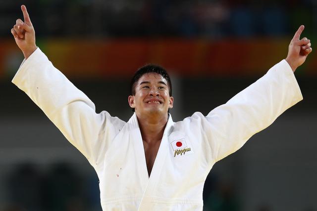 柔道男子90キロ級でベイカー茉秋が金メダル