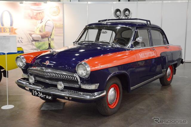 GAZ 21。GAZの乗用車は「ヴォルガ」の通称を持つ